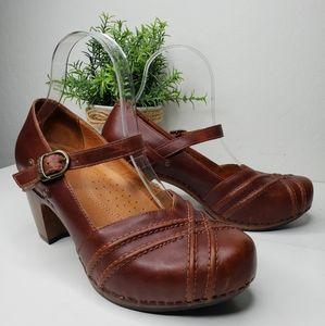 Dansko Womens Reeny Cognac Leather Mary Jane Clogs